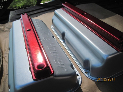 Chrysler FirePower hemi valve covers in Pacific Silver; covers in Wilder Red over Super Chrome