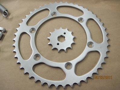 Honda sprockets in Silver Glaze