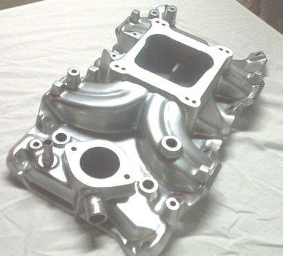 Mopar intake manifold in Super Chrome