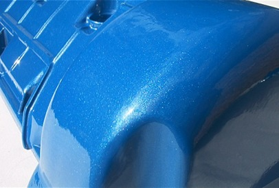 Ford hemi style valve cover with close up of Crystal Blue