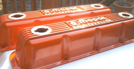 Custom Mopar Magnum valve covers in Hemi Orange