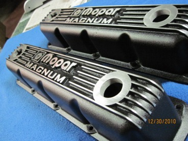 Custom Mopar Magnum valve covers in Wetstone Black