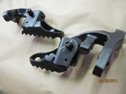 Honda foot pegs in Silk Satin Black