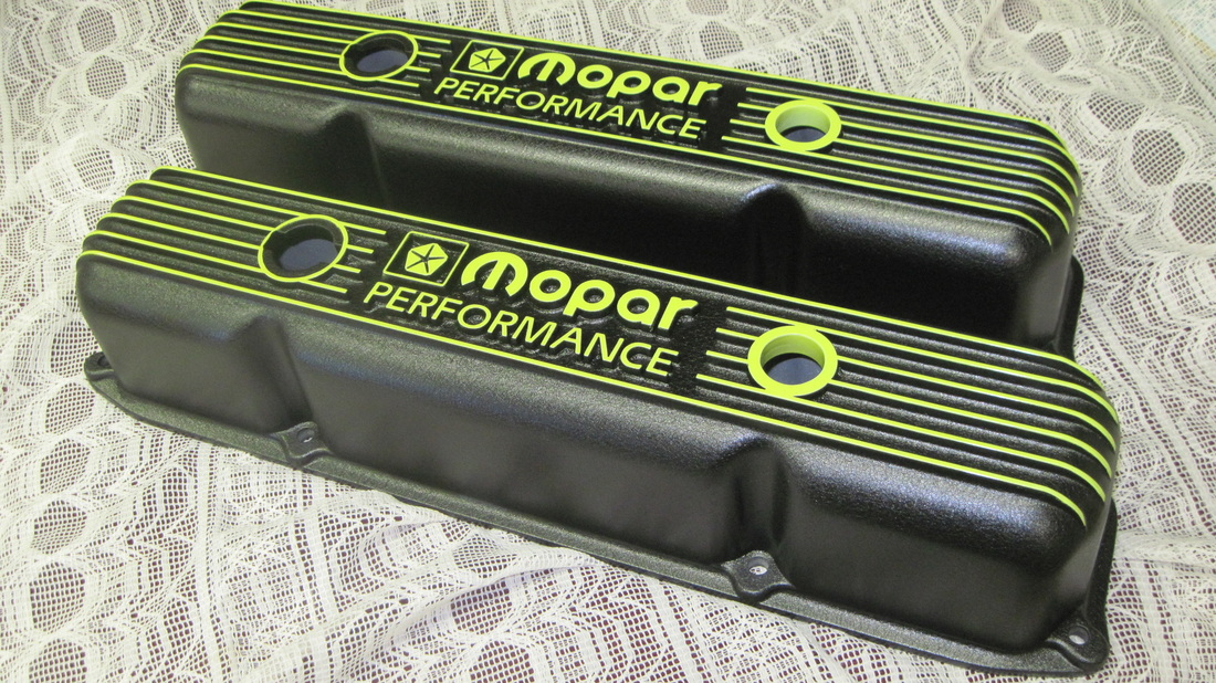 Big block Mopar Performance valve covers in Wetstone Black and Psycho Yellow over China Mint