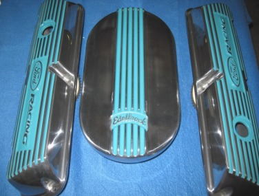 Custom Ford Racing valve covers and Edelbrock air cleaner lid in Indian Turquoise
