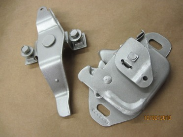 Mopar hood latches in Silver Glaze