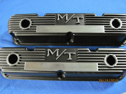 Mickey Thompson Mopar valve covers in Silk Satin Black with polished fins/logos